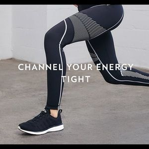 NWT Lululemon channel your energy tight 4